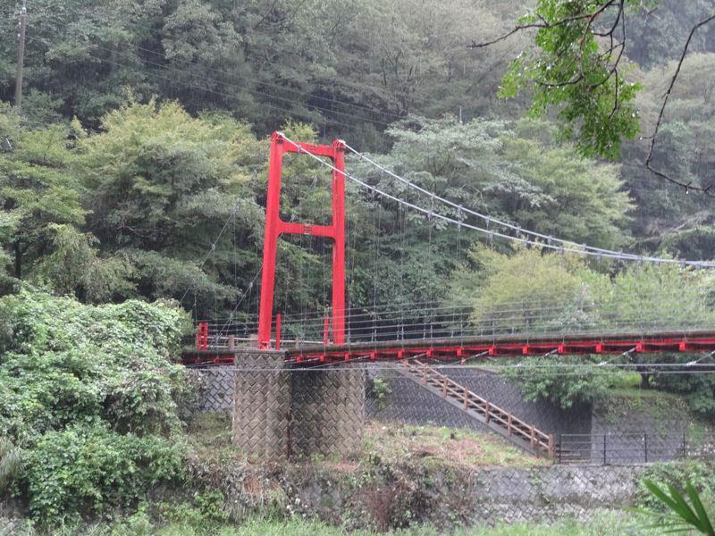 次の赤い橋