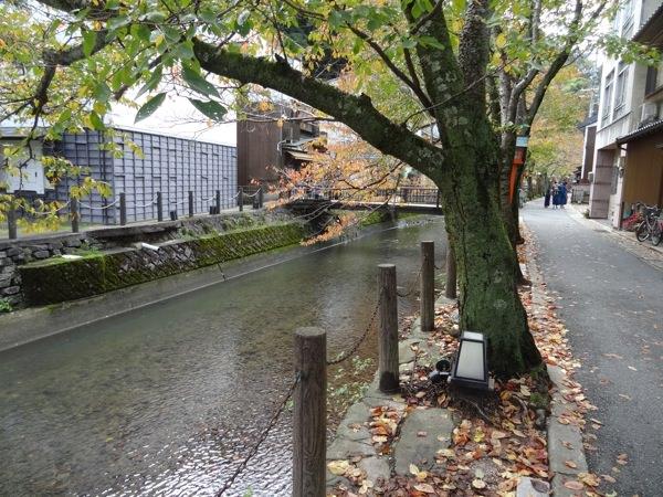城崎温泉の町並みはいい景色ですね〜