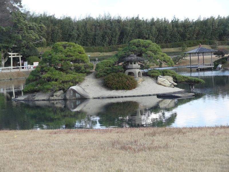 後楽園の池と島