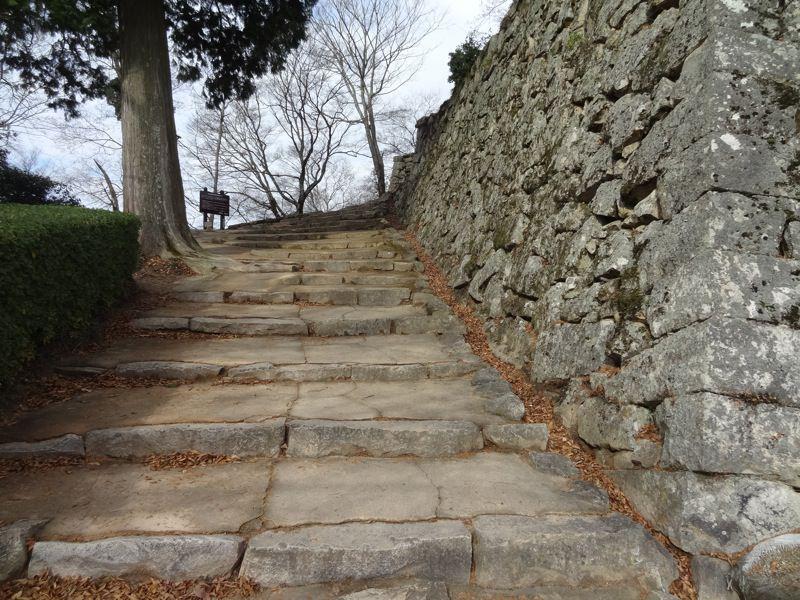 備中松山城の階段
