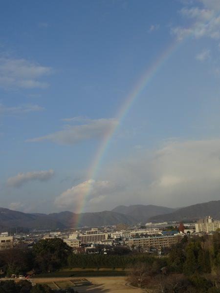 岡山城の展望階から虹が見えた