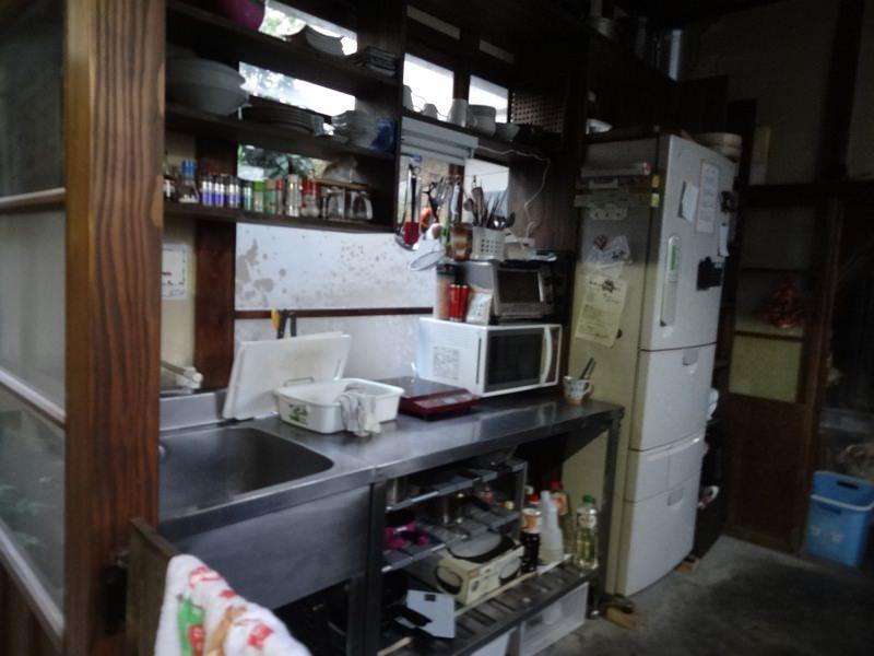 有鄰庵のキッチンと冷蔵庫