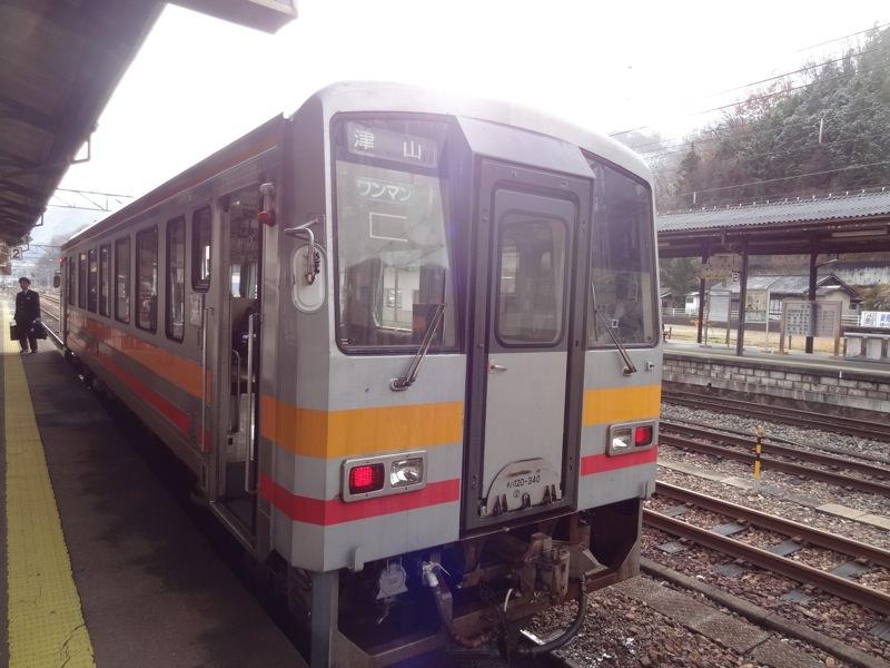 津山行きの電車がやってきました