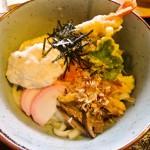 中国勝山のろまん亭で名物の銀しぶき(山芋)入りのうどんを食べました
