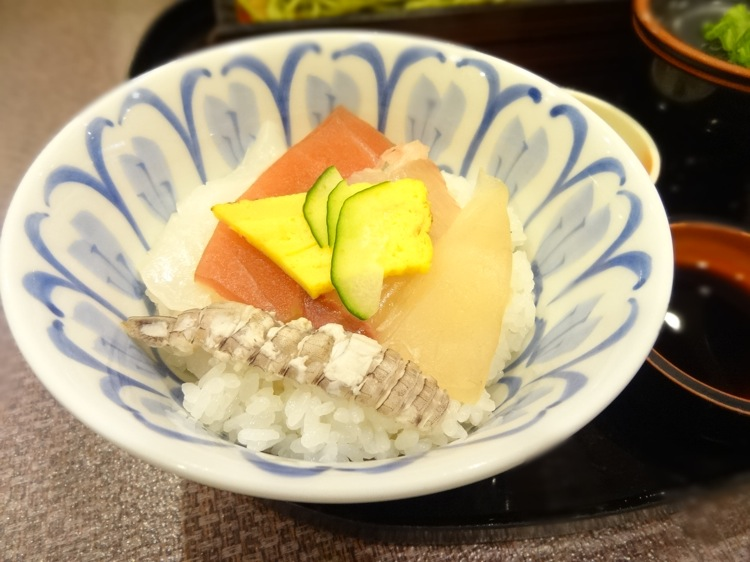 ふく仙の海鮮丼