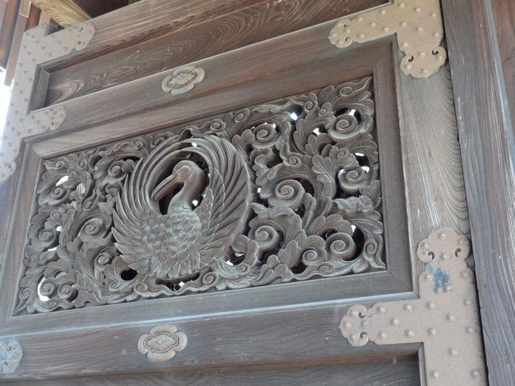 福善寺の扉の模様2