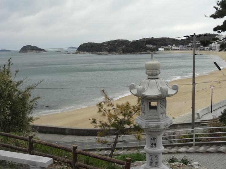 松寿寺から見下ろす前浜