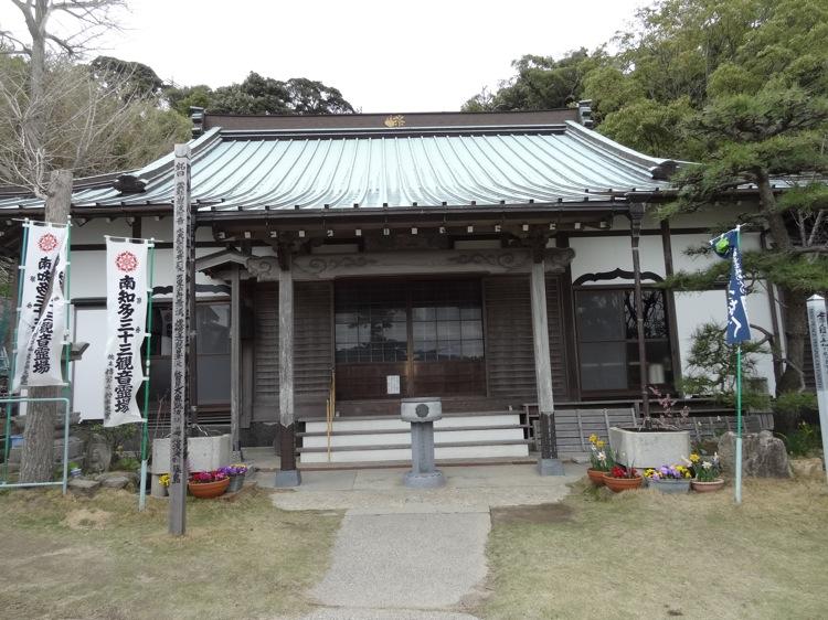 松寿寺の本殿