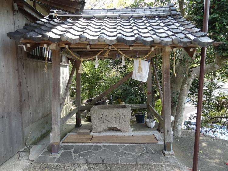 土御前神社の手水場