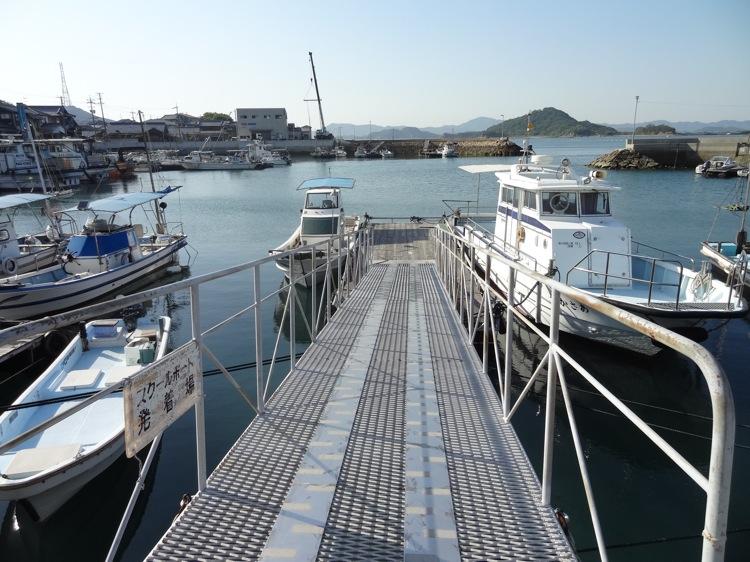 直島の本村港