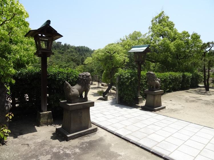 直島の山神社の狛犬たち