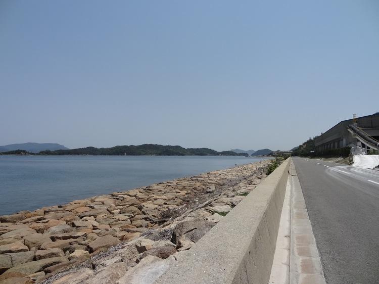 直島の海岸通り