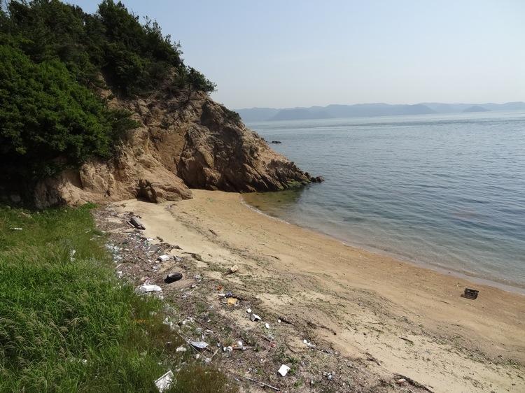 直島の海辺の現実・・・