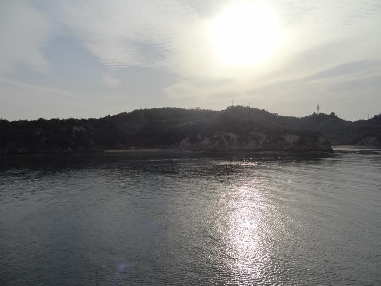 直島から高松へ向かうフェリーでの景色