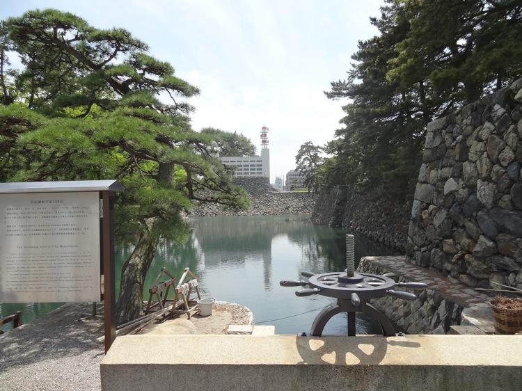 高松城跡の水路