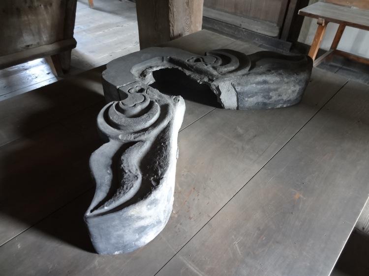 高松城の中の様子 屋根の瓦