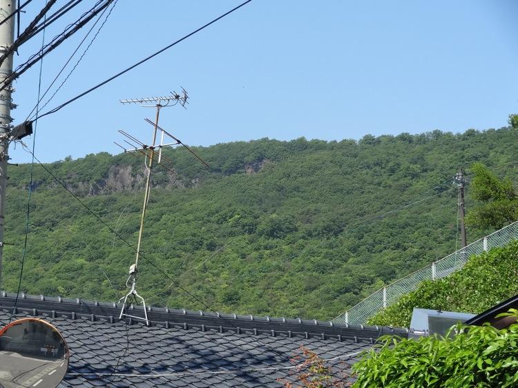 屋島にある山が遠くに見える