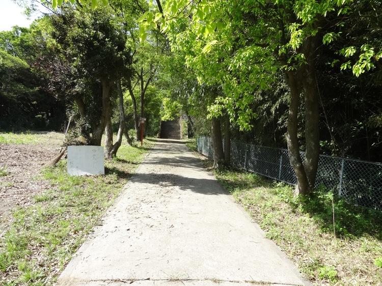 木里神社への道