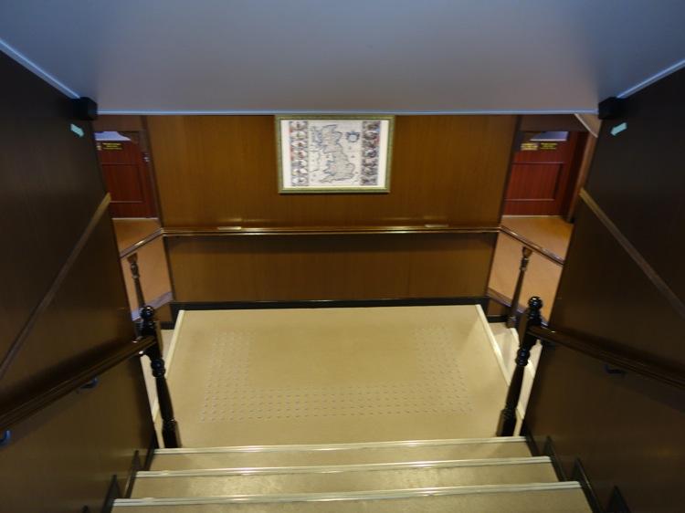 箱根海賊船の階段