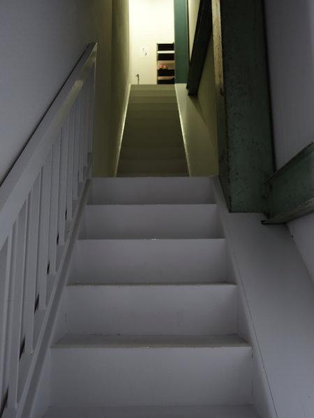 東京ヒュッテ 2階への階段