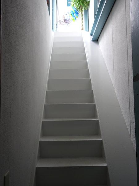 東京ヒュッテ 3階への階段