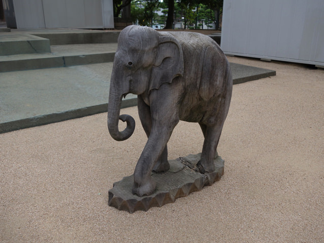 清盛塚の神社のゾウさん