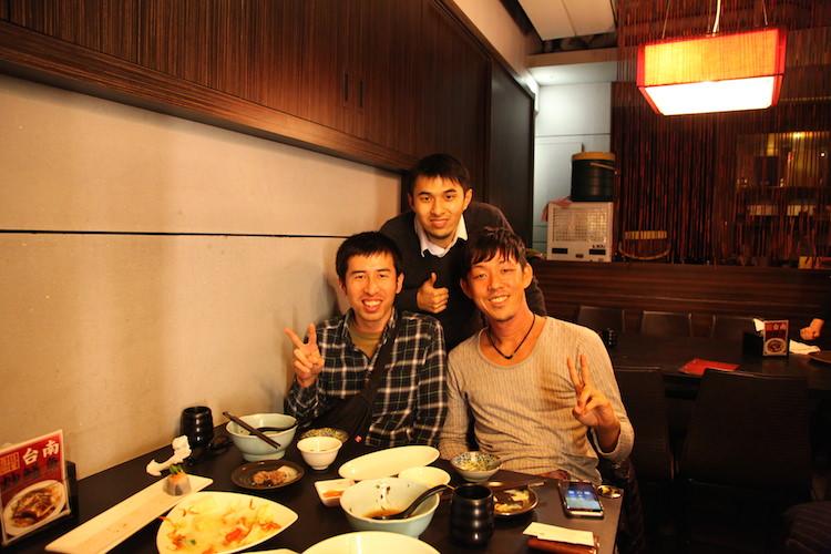台湾人と一緒に写真を撮った