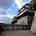 松山城への行き方と写真・感想のまとめ。市内の眺めが最高だった!