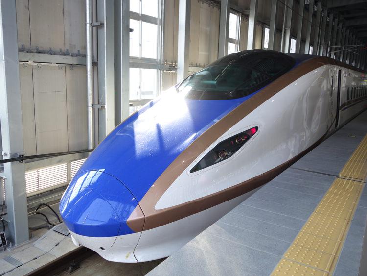 北陸新幹線の車体