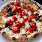 大阪梅田でピザ食べ放題!世界一のピザが食べられる「ピッツァ サルヴァトーレ クオモ」でより美味しい食事を楽しむ方法