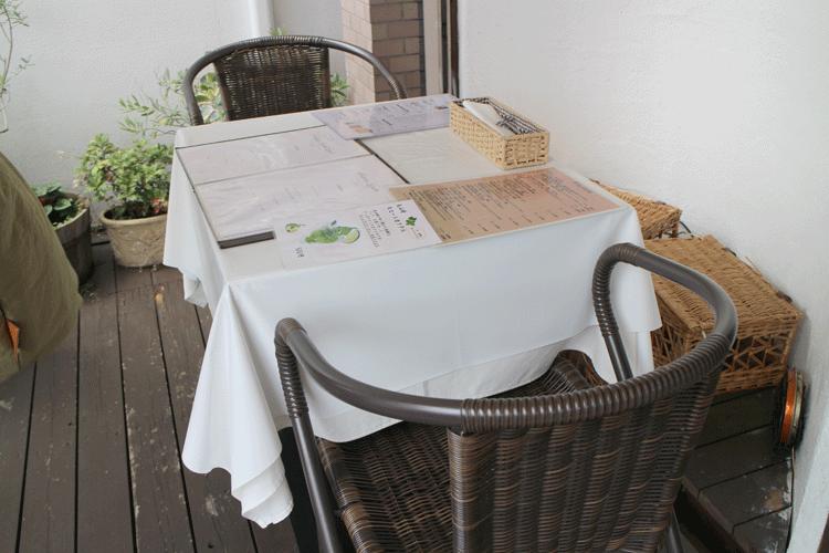 レストランタガミ