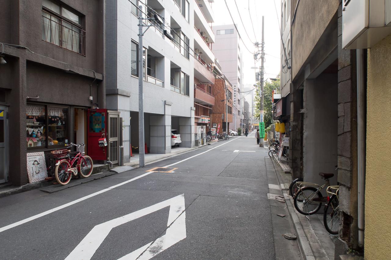 Ks_House_宿前の道路