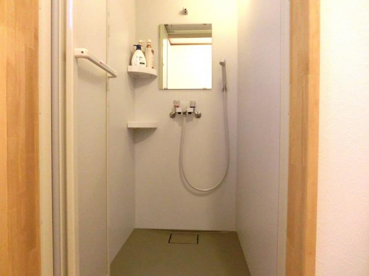 ゲストハウスふぁむすとんのシャワールーム