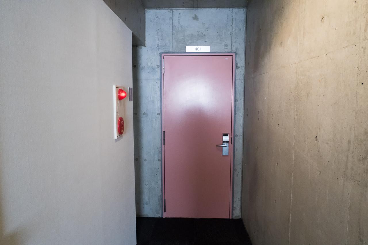 サクラホステル浅草部屋のドア