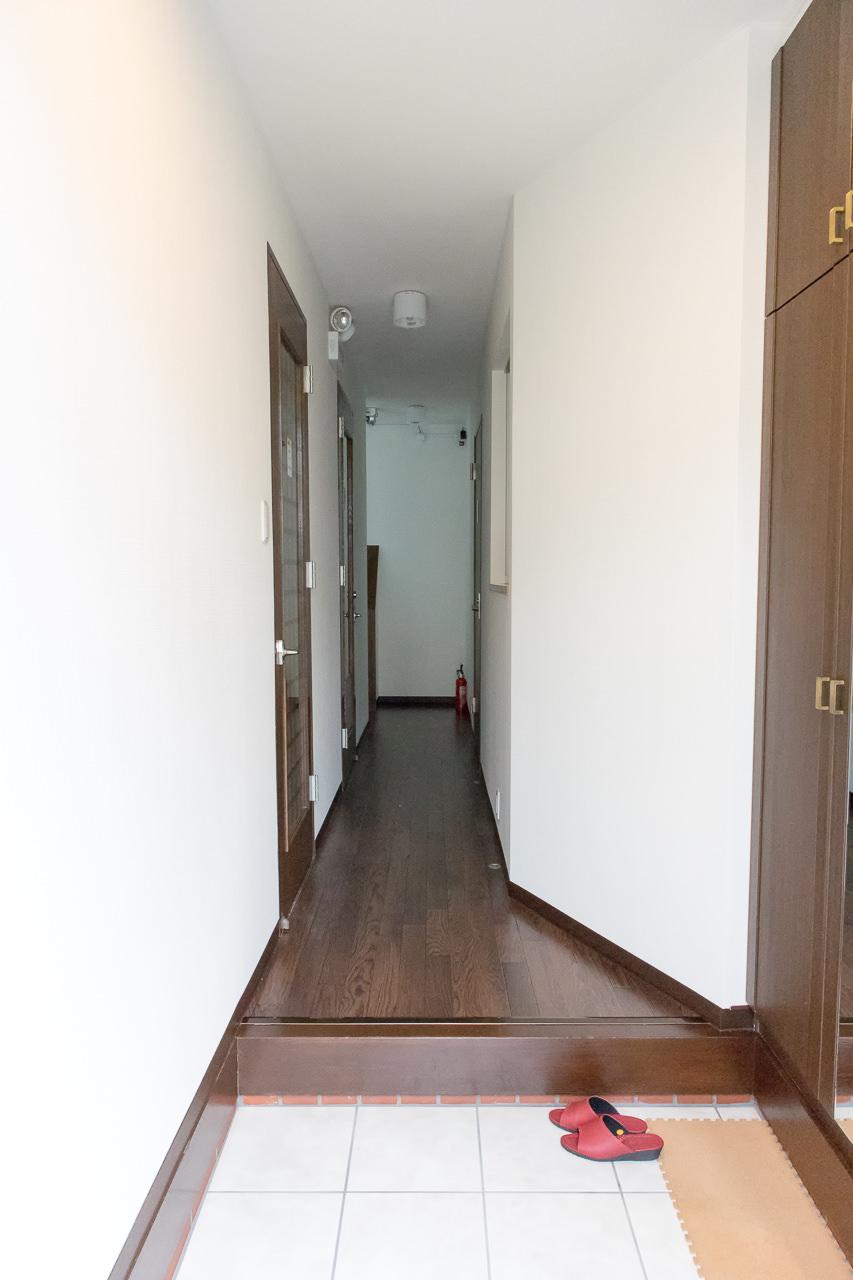 函館ゲストハウスAppleの玄関
