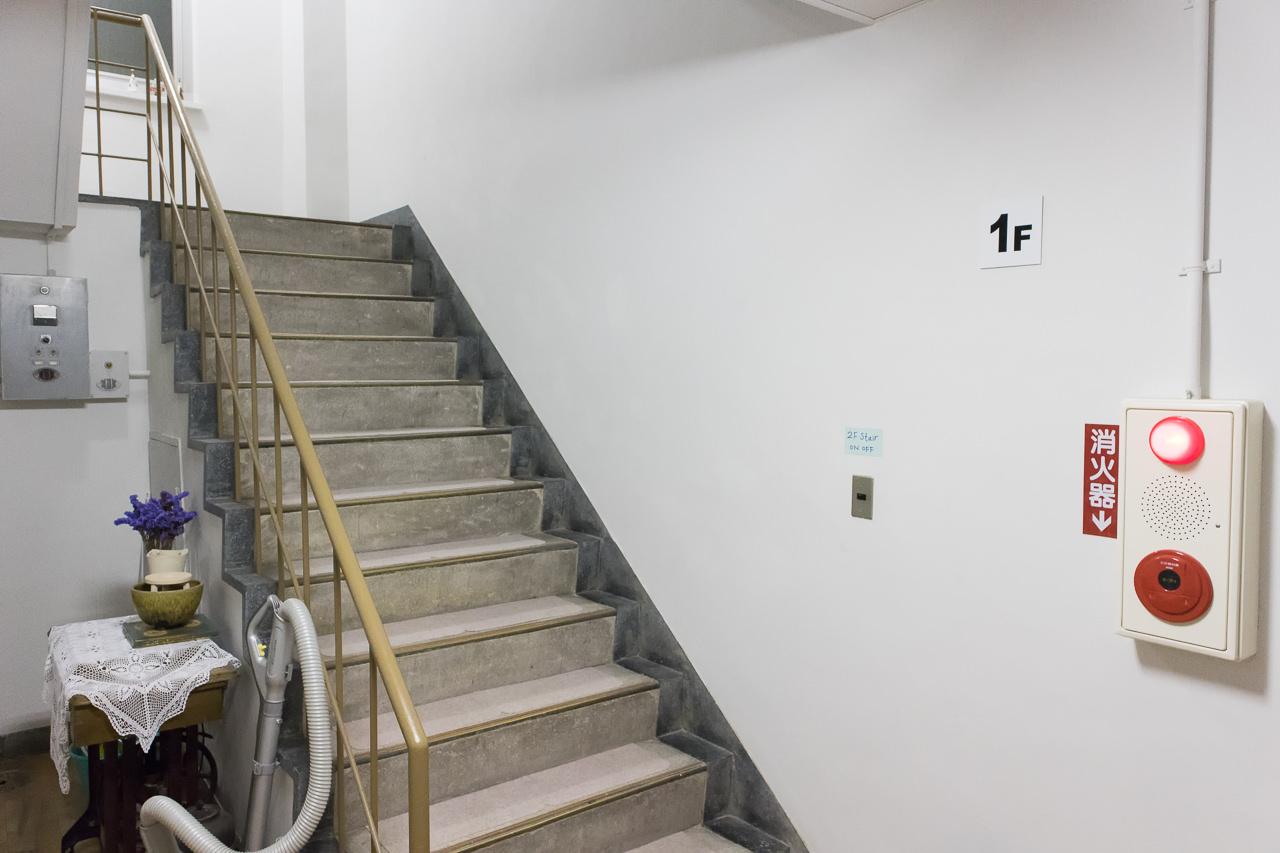 はこだてベイの階段