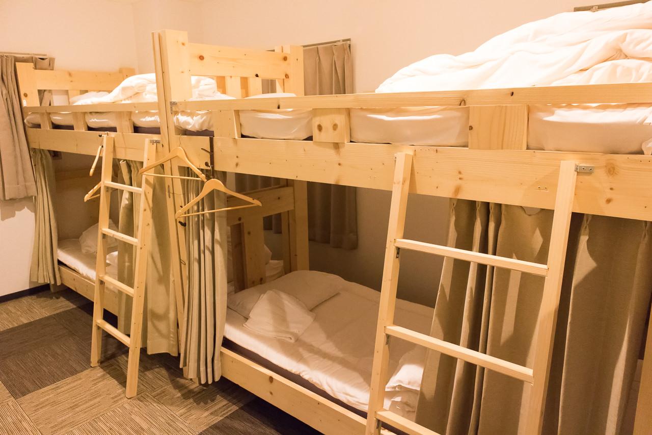 はこだてベイ1階ドミトリーのベッド