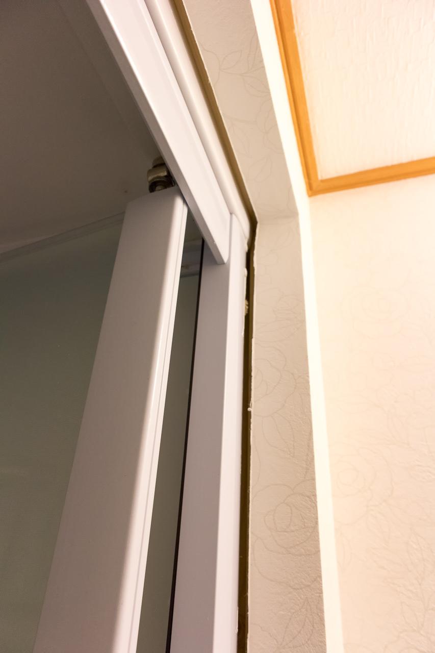 はこだてベイの脱衣所とシャワールームの隙間