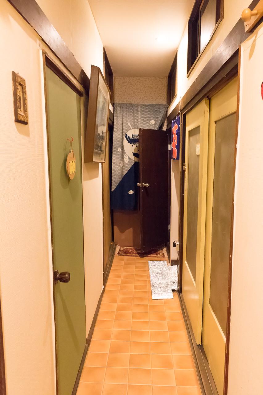 函館ゲストハウスの廊下