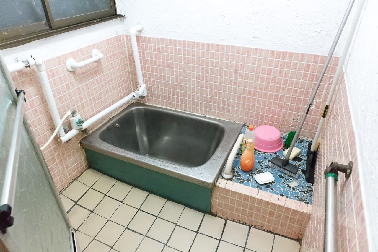 函館ゲストハウスの浴槽