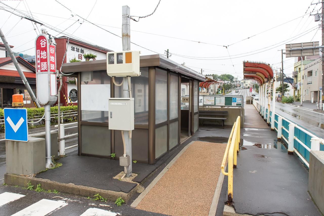 函館ゲストハウスApple近くの市電停留所