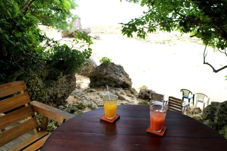 浜辺の茶屋 海を眺められる