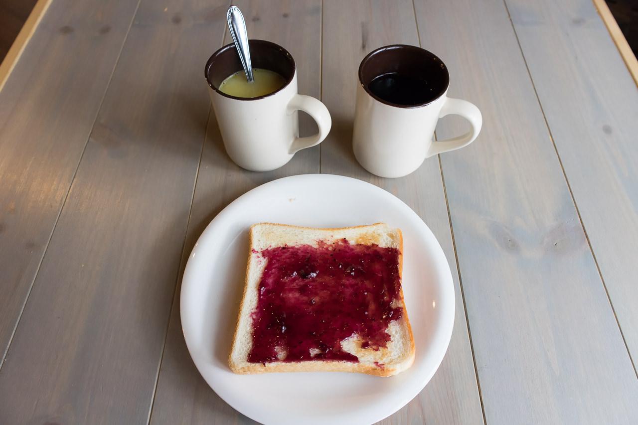 wagayado朝食のパンとドリンク