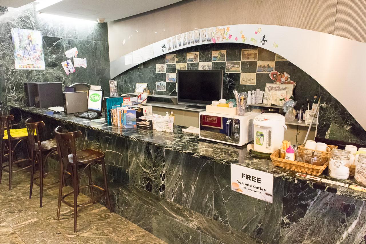 エースイン新宿の共有パソコンとフリードリンク