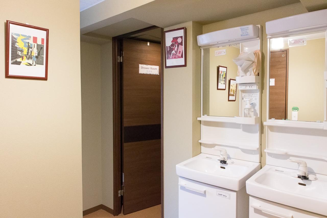 カオサン札幌共有トイレの洗面台