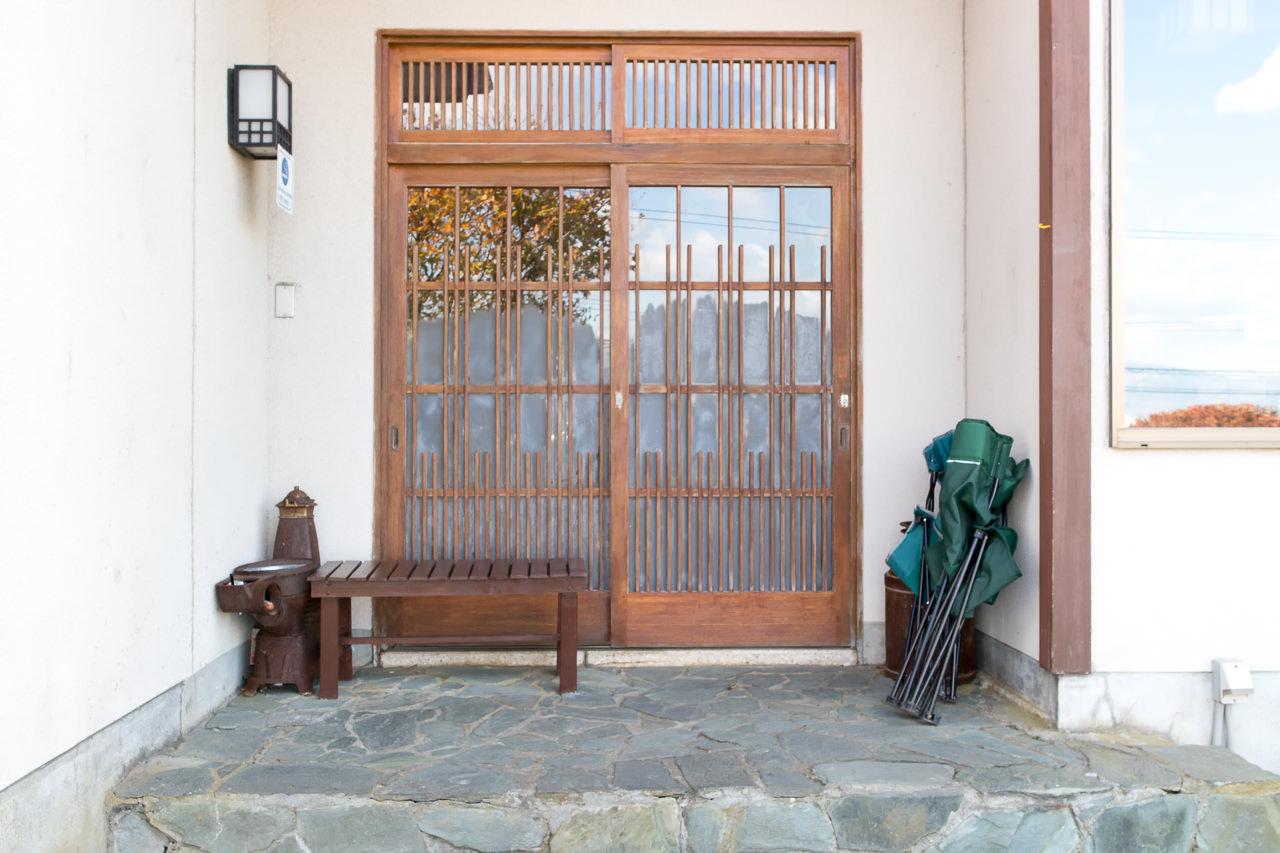 函館山ゲストハウスの玄関前