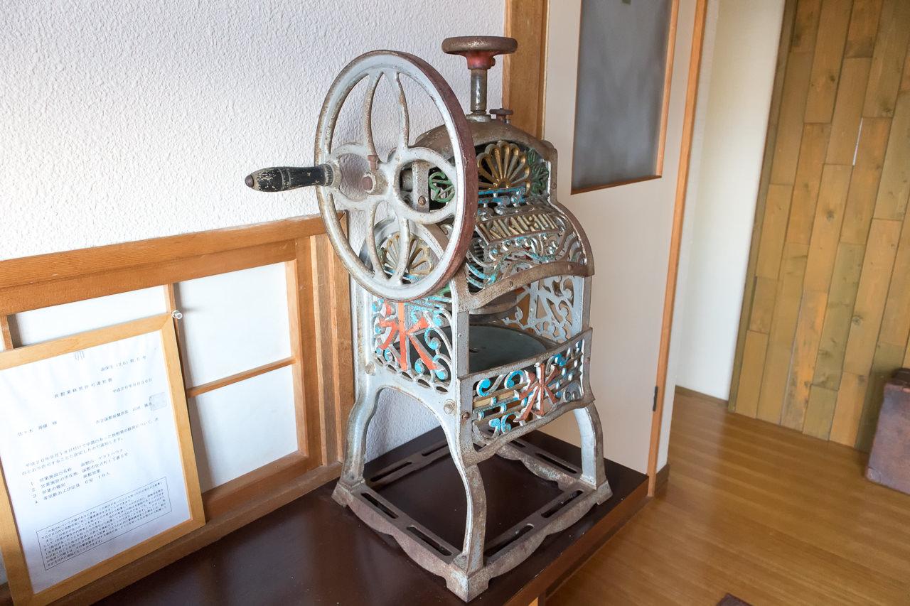 函館山ゲストハウス玄関のかき氷器