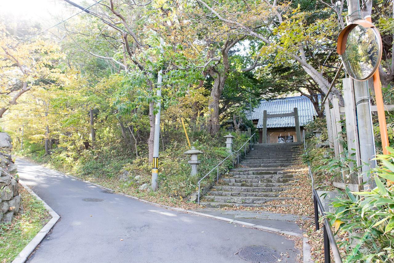 函館山ゲストハウスへの行き方・神社前