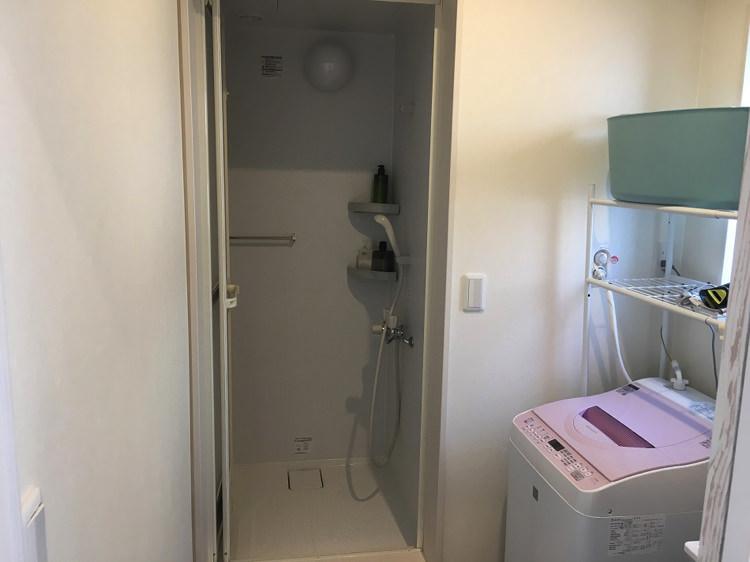 シロノシタゲストハウスのシャワー室