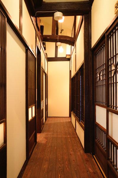 ゲストハウス&バー 人参の廊下